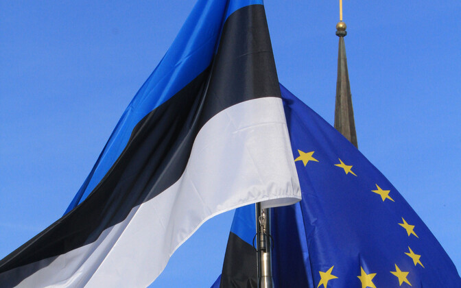 Estonian and European Union flags.