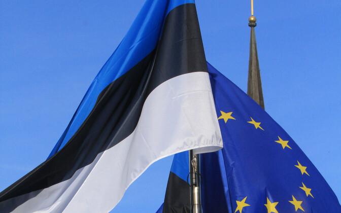Estonian and European Union flags.