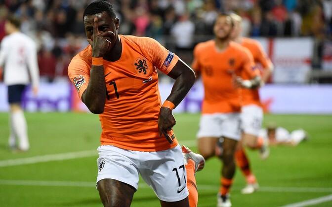 Quincy Promes ja Hollandi jalgpallikoondis teist väravat tähistamas