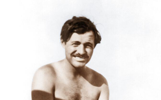 Hemingway kala püüdmas (1928).