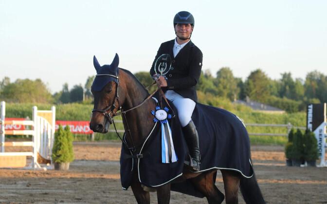 2018. aastal korraldatud esimese Kasemäe Karika Grand Prix' võitis Renek Rosenberg hobusega Fred.