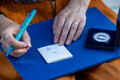 Eesti Pank esitles Viljandi linna pähendatud meenemünti