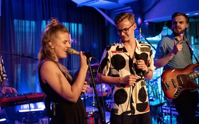 Anett esitles lühialbumit, üllatuskülaline Jüri Pootsmann
