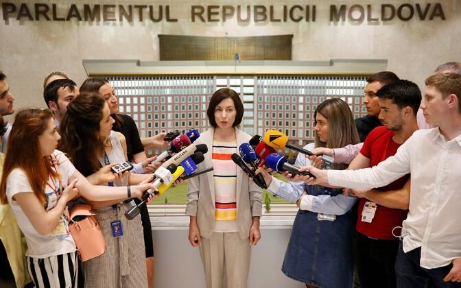 Peaminister Maia Sandu valitsuse esimese istungi järel.