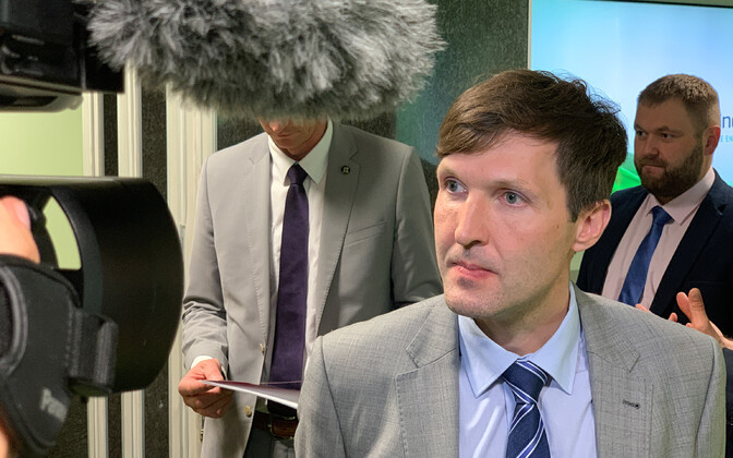 Мартин Хельме следит за ситуацией в энергетике.