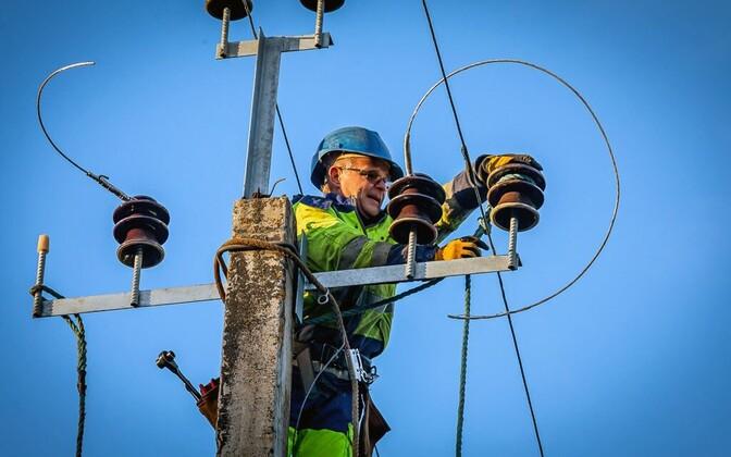 Eesti peaks edasi liikuma nii taastuvenergeetika kui ka tuumaenergeetika arendamisega, aga kindlasti tuleb hoiduda tuumaenergeetika vananenud tehnoloogiate kasutamisest.