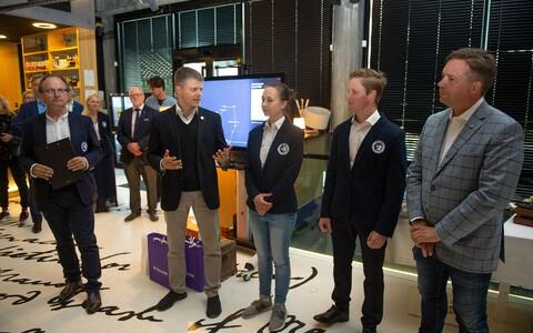 Ekspeditsiooni juht Tiit Pruuli, Telia Eesti juhatuse liige Holger Haljand ja sarja produtsent Kaupo Karelson