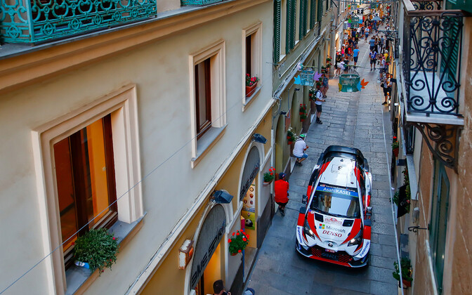 Ott Tänak - and Martin Järveoja's Toyota Yaris on the narrow streets of Alghero, Sardinia.