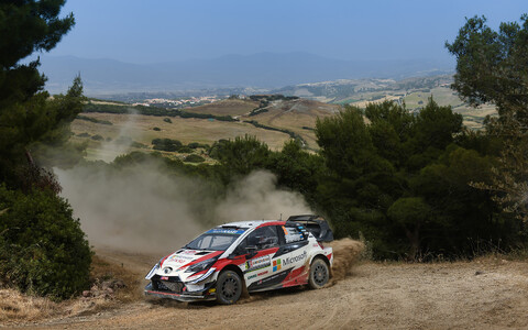 Ott Tänak and Martin Järveoja driving the second-to-last stage of the 2019 Rally Italia Sardegna on Sunday morning. June 16, 2019.
