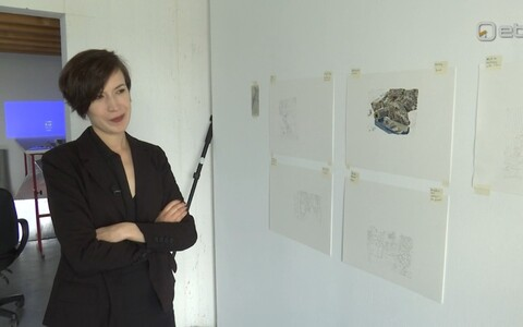 Anna Škodenko Brüsselis ateljees.
