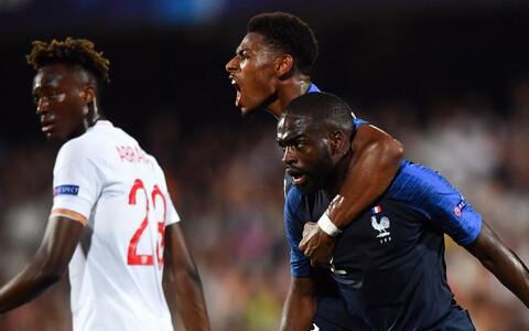 Kahel penaltil eksinud Prantsusmaa alistas lõpuminutel Inglismaa
