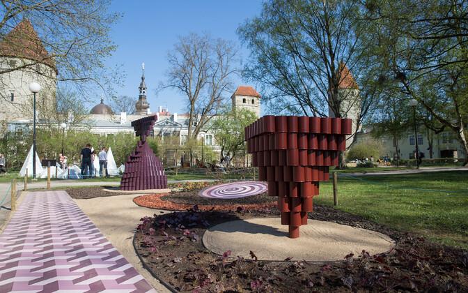 Цветочный фестиваль украшал Башенную площадь в течение десяти лет.