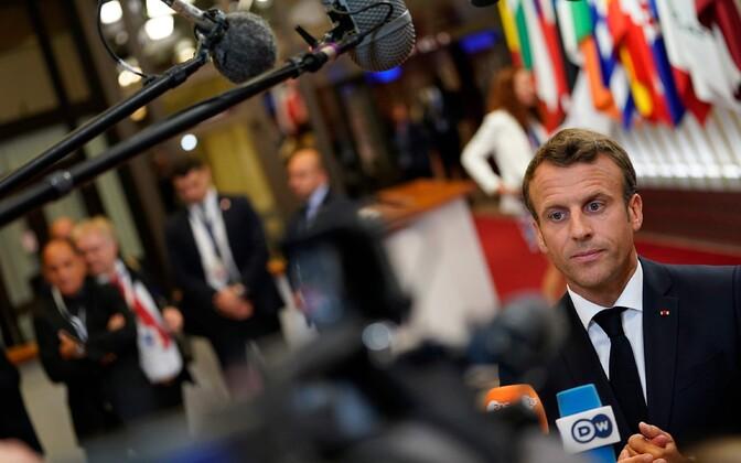 Prantsuse president Macron pärast ülemkogu lõppu ajakirjanike ees.