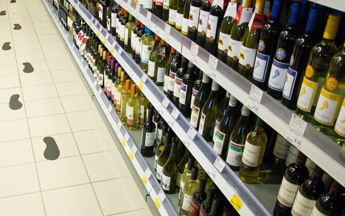 Läti peaminister nimetab sõnasõda eestlastega alkoholiaktsiisi tõstmise üle kommunikatsioonimüraks ja on valmis probleemi Jüri Ratasega rahumeelselt arutama.