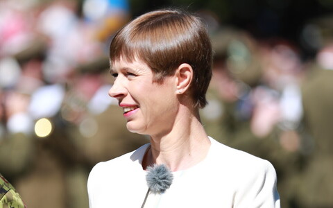 President Kersti Kaljulaid at Sunday's Victory Day parade in Tartu.