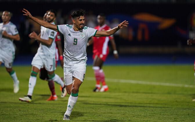 Baghdad Bounedjah tähistab Alžeeria koondise eest skoorimist