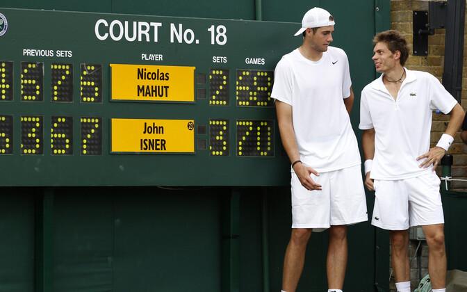 John Isner ja Nicolas Mahut 2010. aastal