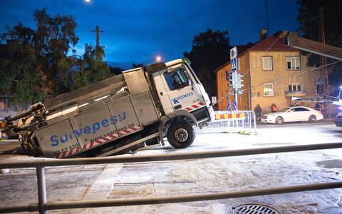 Авария на улице Эндла произошла в ночь на понедельник.