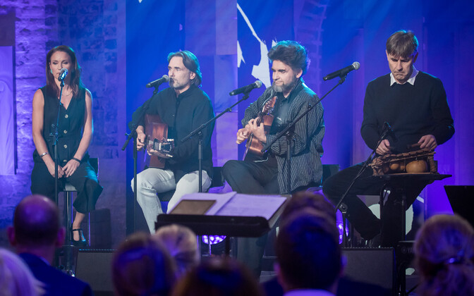 """Heategevuslik kontsert """"Laulud sõdurile"""" kõlas võidupüha eel Tartu Jaani kirikus."""