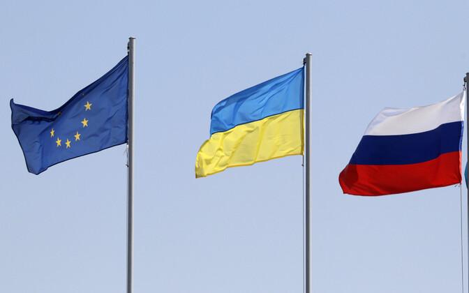 Euroopa Liidu, Ukraina ja Venemaa lipud.