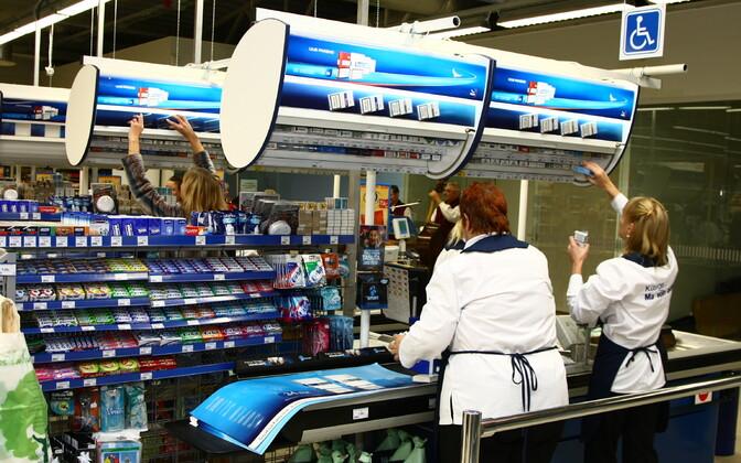 C 1 июля магазинам придется скрывать табачную продукцию. Иллюстративная фотография.