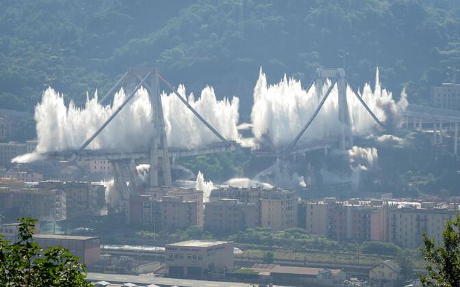 Morandi silla varemete õhku laskmine Genovas 28. juunil.