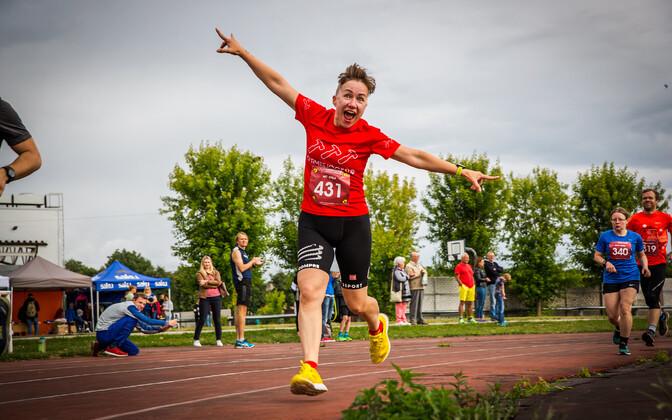 Аэт Кийсла - организатор марафона на стадионе в Нарве.