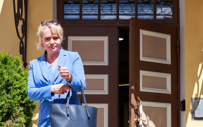 Утверждать нового вице-канцлера в должности Рийна Солман будет лично.