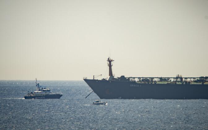 Tankeri Grace 1 kinnipidamine Gibraltari lähistel.