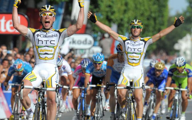 Mark Cvendish ja Mark Renshaw 2009. aasta Tour de France'i viimasel etapil kaksikvõitu teenimas