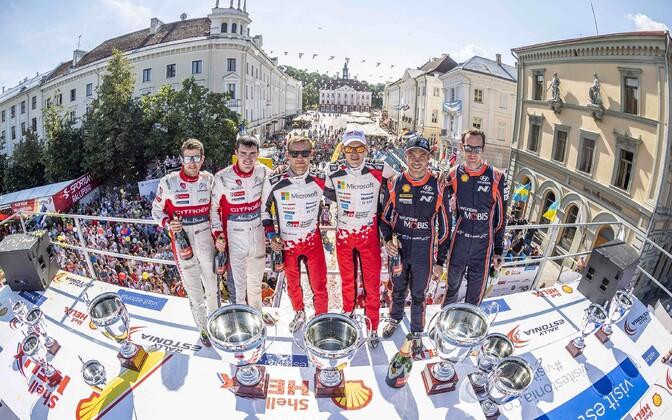 2018. aasta võitjad Rally Estonia pjedestaalil