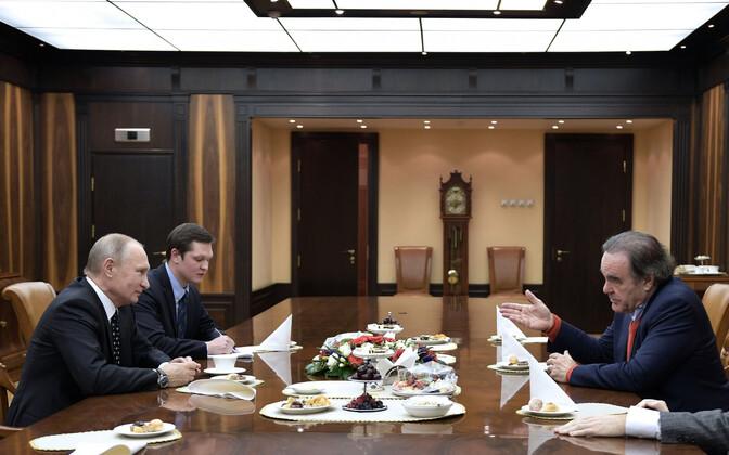Vladimir Putin ja Oliver Stone 2017. aastal.