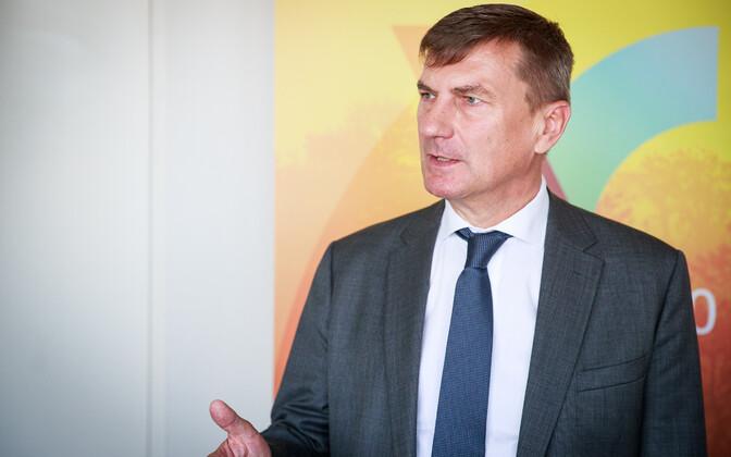 Андрус Ансип перечислил Партии реформ свыше 10 тысяч евро.