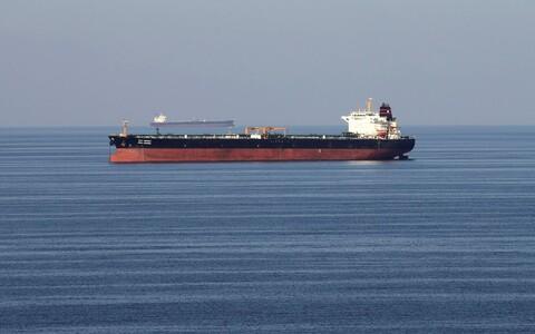 Через Ормузский проходит треть мировой нефти, транспортируемой морским путем.