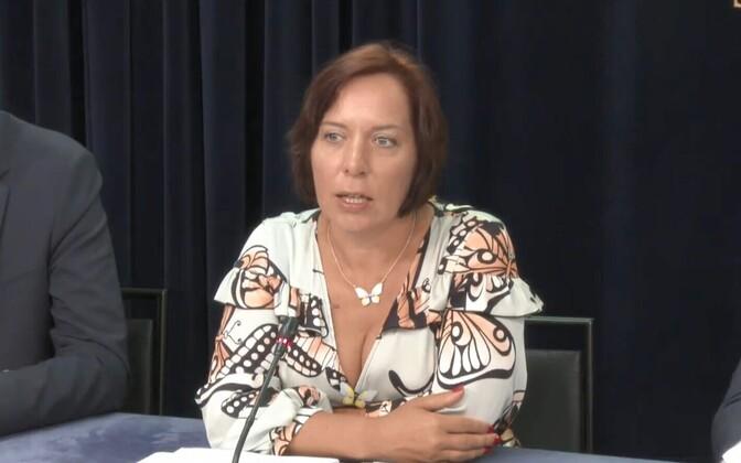 Mailis Reps valitsuse pressikonverentsil