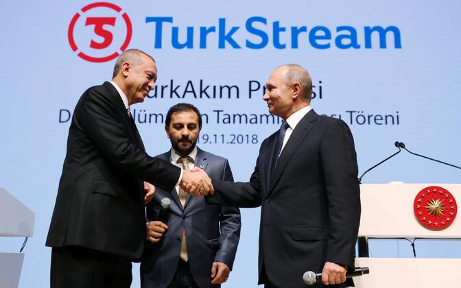 Presidendid Erdogan ja Putin 2018. aastal TurkStreamile pühendatud tseremoonial.