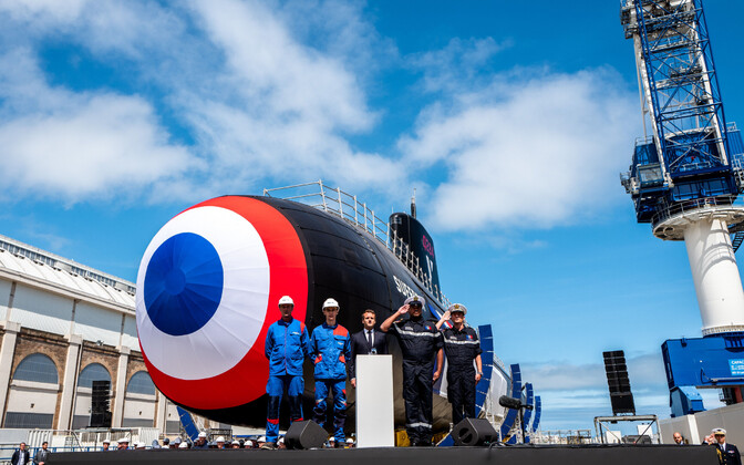 Prantsuse tuumaallveelaev Suffren Cherbourg'i sadamas.