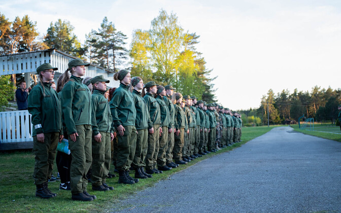 Home Daughters, the girls' youth arm of the volunteer Estonian Defence League.
