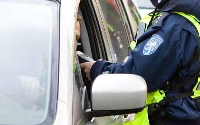 Проверки водителей на трезвость на дорогах Эстонии осуществляются регулярно.