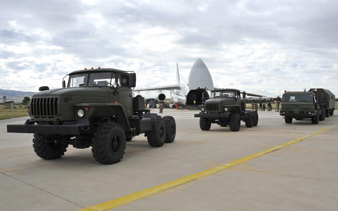 Vene raketisüsteemi S-400 osad jõudsid Türki.