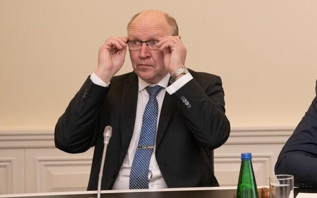 Март Хельме против изменений, которые дали бы гражданам Эстонии по рождению возможность иметь двойное гражданство.