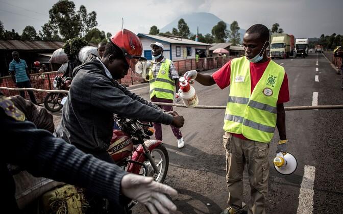 Вспышка смертельной лихорадки Эбола в Демократической Республике Конго.