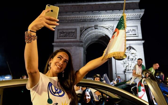 В Париже активно праздновали победу сборной Алжира в Кубке африканских наций.