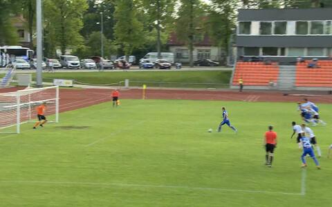 Tauno Tekko penaltit löömas