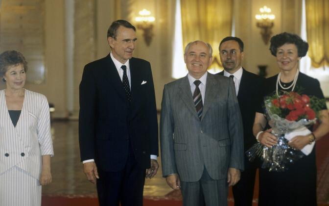 Встреча президентов Финляндии и СССР Мауно Койвисто и Михаила Горбачева в Москве в июне 1991 года.