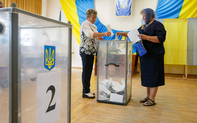 На Украине прошли досрочные парламентские выборы.