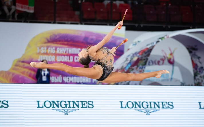 Полина Мурашко заняла на ЧМ среди юниоров в упражнениях с булавами 4-е место.