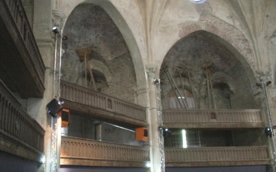 Состояние купольного зала церкви оказалось хуже, чем считали ранее.