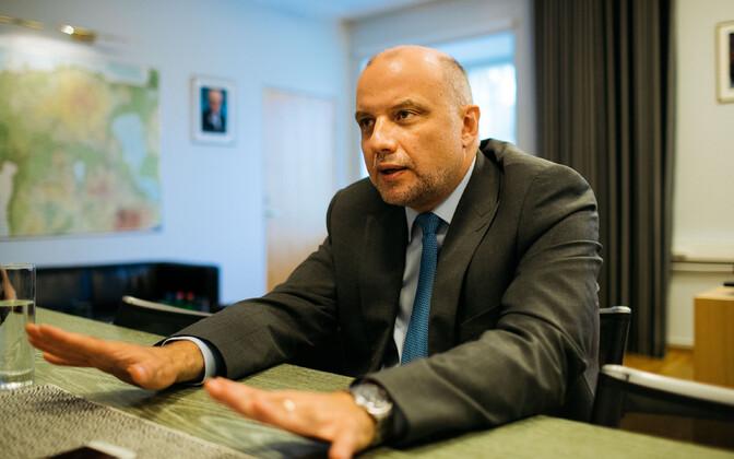 Defence Minister Jüri Luik (Isamaa).