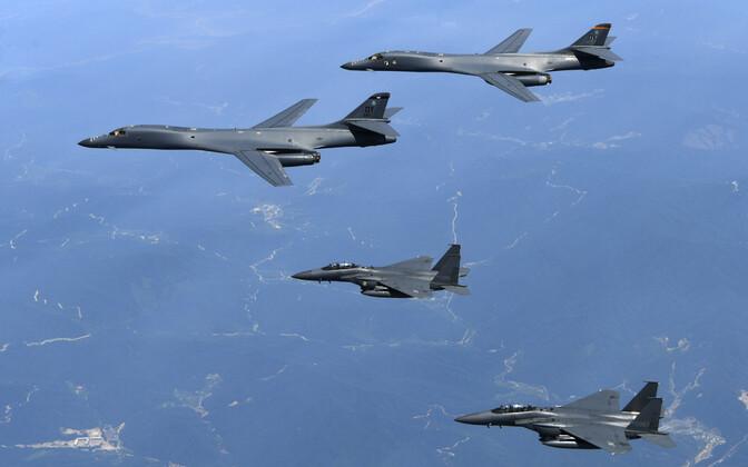 USA ja Lõuna-Korea lennukid ühisel õhuväeõppusel 2017. aastal.